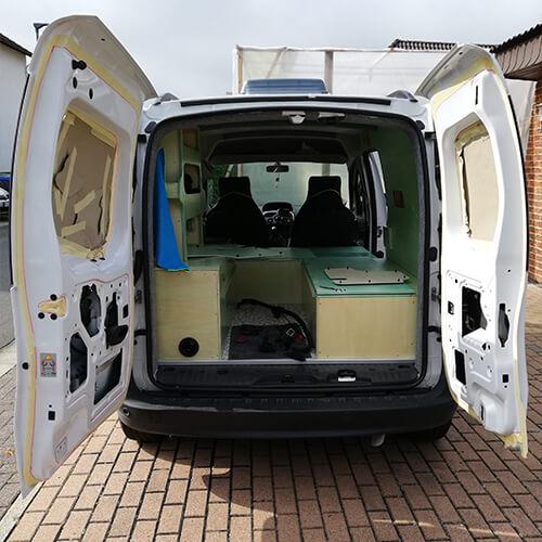 Adventure Truck Nachschlagewerk Renault Kangoo vorher b4f