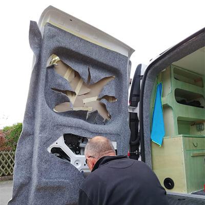 Renault Kangoo How to Carpet Filzen Nachschlagewerk Filz tutorial Bus 4 fun filz im Kundenauftrag verarbeitet Adventure Truck Dienstleistung